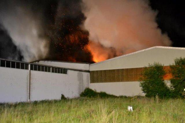 Brandeinsatz vom 03.05.2014  |  (C) Feuerwehr Muehlhausen (2014)