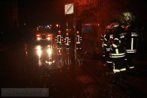 Hilfeleistung vom 19.01.2012  |  (C) Feuerwehr Muehlhausen (2012)